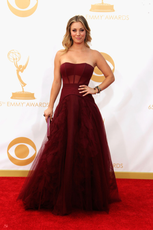 Emmy 2013 Kaley Cuoco