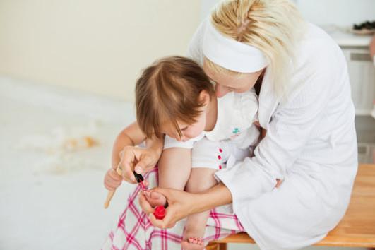 mother daughter makeup