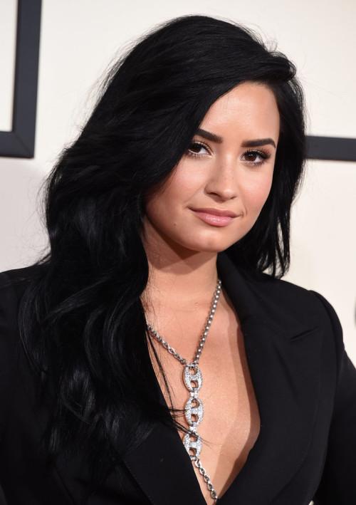 Grammys 2016 Demi Lovato makeup