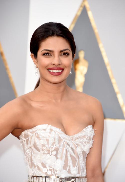 Oscars 2016 Priyanka Chopra