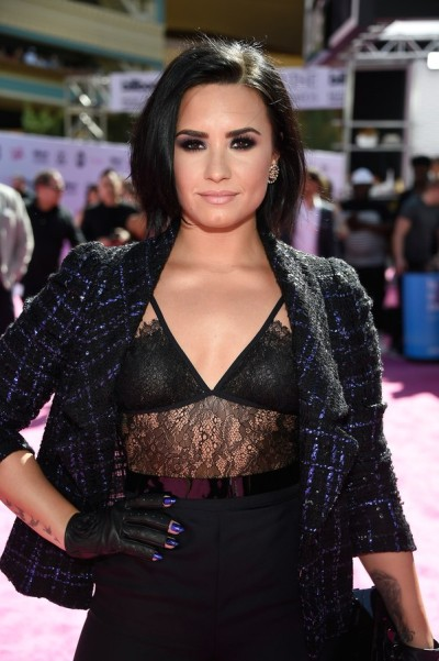 billboard 2016 demi lovato