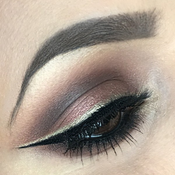 Double winged eyeliner master palette by mario