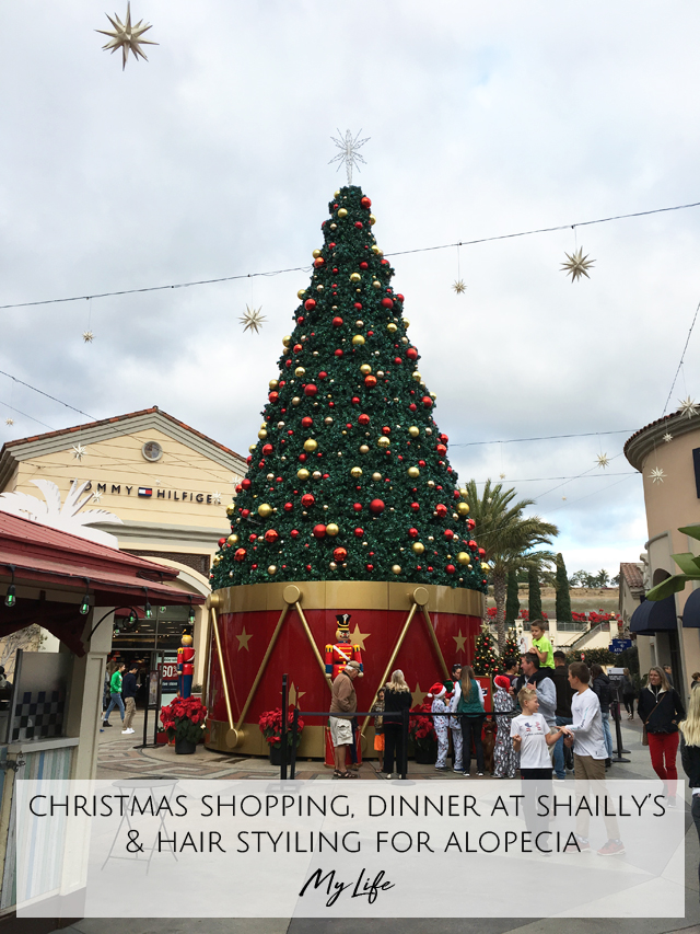 Week 4 Christmas Tree at Carlsbad Premium Outlets