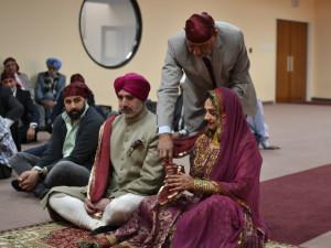 Deepa Berar Wedding Father passing Chunni